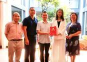毛东方被授予爱国为民企业家荣誉证书