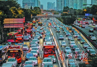 广州车流量明显增多 早晚高峰交通指数等级上升一级